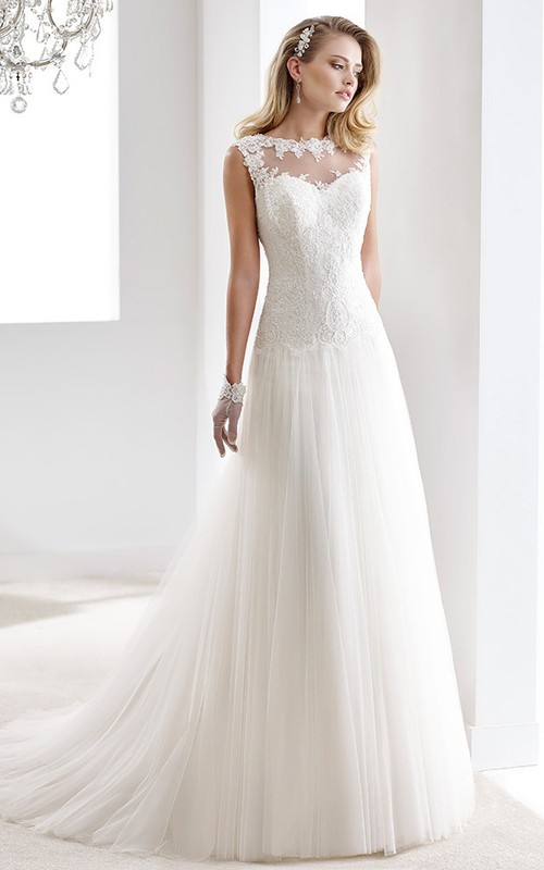 Bateau Long Sleeve Tulle long Dress With Appliques And Pleats