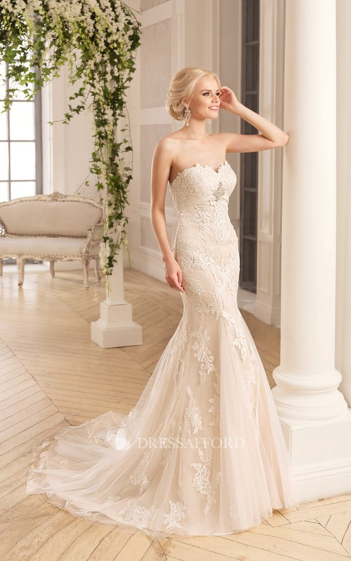 Sleeveless Appliqued Tulle Broach Long Trumpet Lace Dress