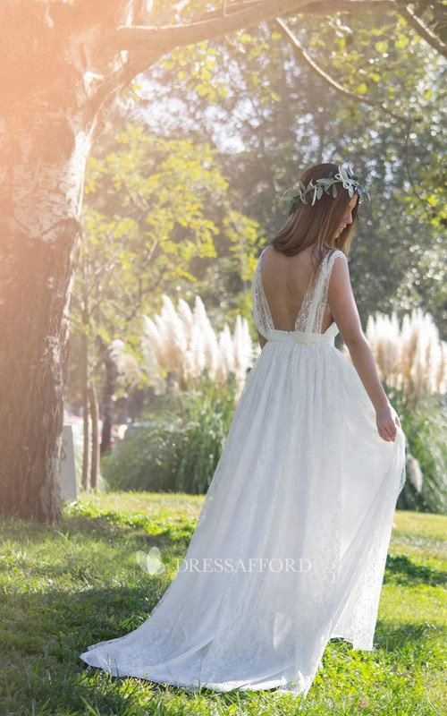 rustic V-neck Sleeveless Lace Floor-length Wedding Dress With Sweep Train