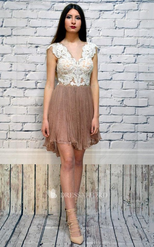 Two-tone Plunged Cap-sleeve short Dress With Pleated skirt