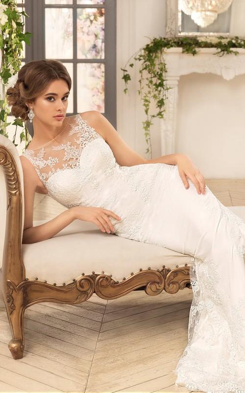 Sleeveless Appliqued Long Sheath Lace Dress