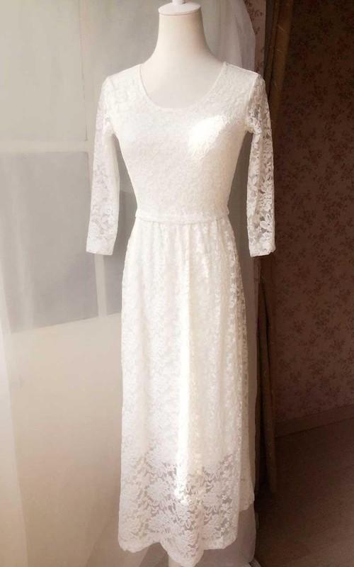 Column Scoop Neck Long-Sleeve Lace Dress