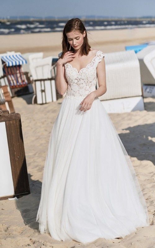 Dreaming Scalloped Cap Sleeve Bridal Gown With Deep V Back