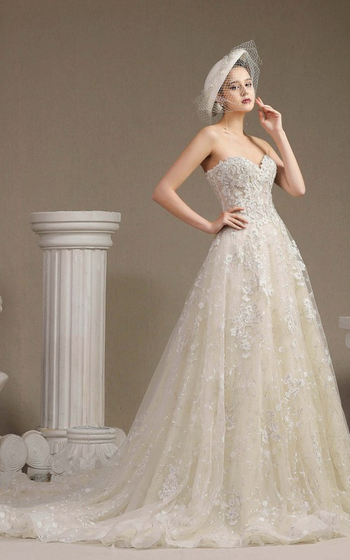 Lace Ballgown Princess Sweetheart Sleeveless Wedding Dress With Boning And Floral Appliques