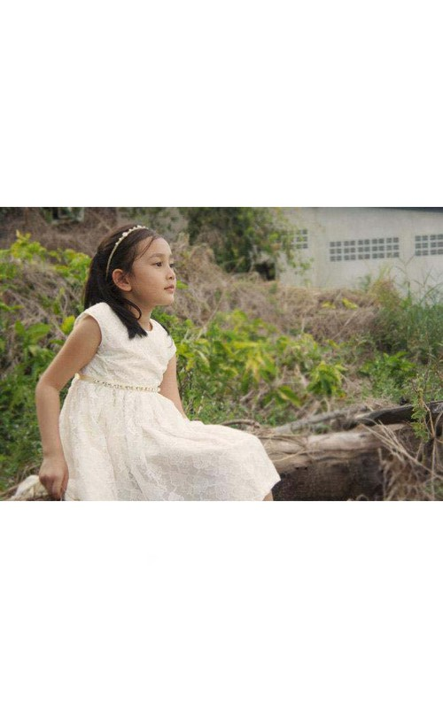 Jewel-Neck Lace Cap-sleeve short Flower Girl Dress With Jeweled Waist
