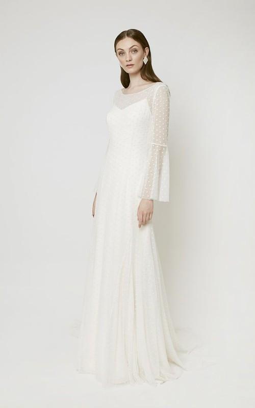 Elegant Tulle Long Sleeve Wedding Dress With Court Train